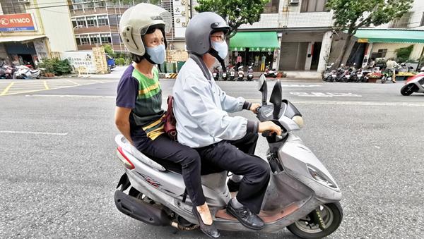 騎機車不戴口罩暴露空汙環境 台中牧師夫婦雙雙染肺腺癌2.png