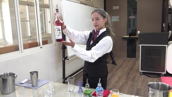 建國科大生獲蓬萊盃調酒暨托盤賽亞軍 莊家豪「猛毒」造型出賽奪牌2.png