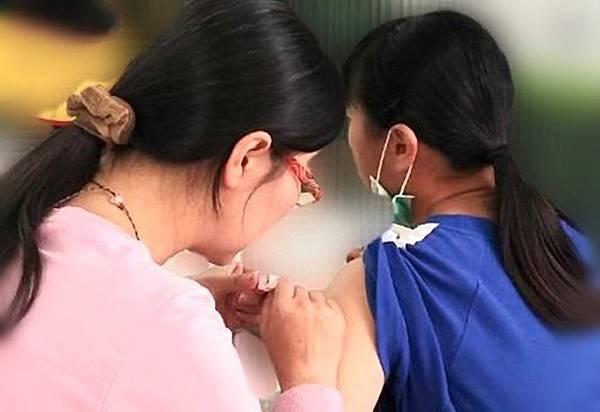 預防子宮頸癌 彰化縣國一女生免費打HPV疫苗.jpg