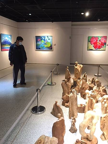 禪風舞木VS藝情形趣 彰化生活美學館木雕油畫雙聯展2.jpg
