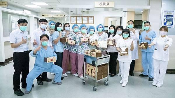 二基醫院社區防疫照過來 愛心點心送暖醫護1.jpg