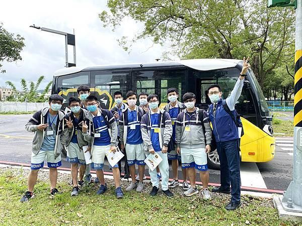 虎頭山創新園區自駕體驗 明道中學師生遇見未來.jpg