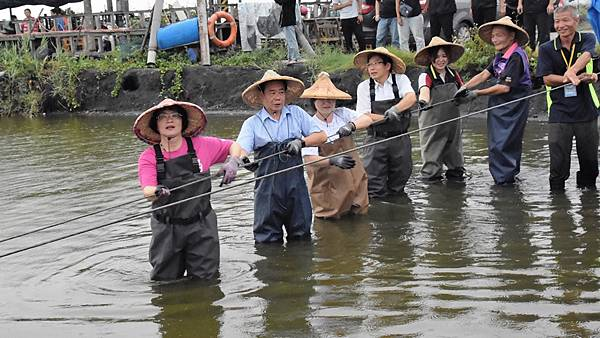 彰化樂活輕旅行推廣 哈哈漁場體驗一日漁夫1.jpg