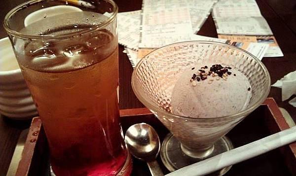 品田*寒天青梅飲+芝麻冰淇淋