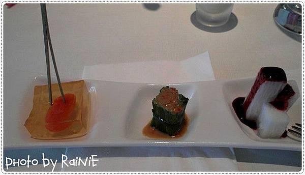舒果*前菜 (右至左) 藍莓山藥+彩椒水蓮+蒟蒻蕃茄