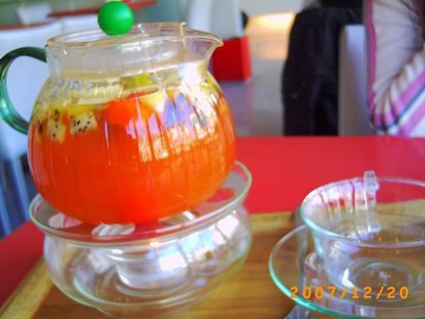 漾春天 * 新鮮特調水果茶