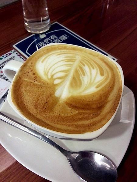 日光緩緩*拿鐵咖啡