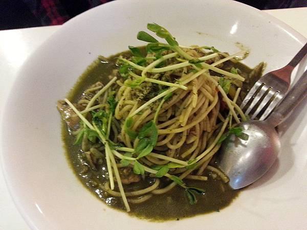 多麼義大利麵*青醬海鮮義大利麵 NT218