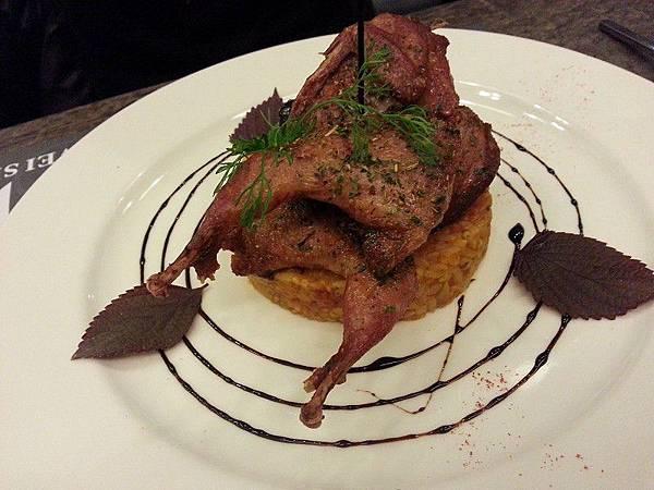 唯亞森義式料理*燻烤脆皮乳鴿紅醬燉飯
