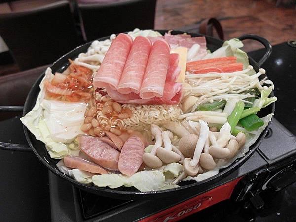 木瑾花韓式料理*豬肉部隊鍋