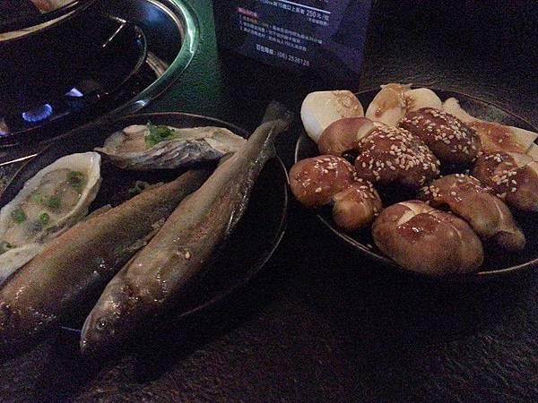 炭比浬多*香魚、生蠔、香菇