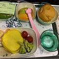 早餐是飛機抵達前2.5小時供餐