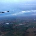 經過12.5小時的飛行終於快到法國囉~