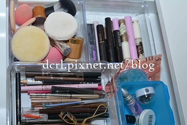 makeup storage01