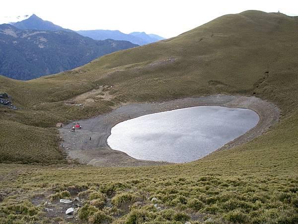 新康山與嘉明湖