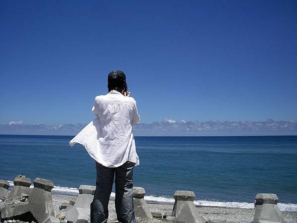 海濱神祕女子