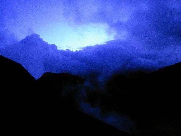 翌日的天色與雲霧