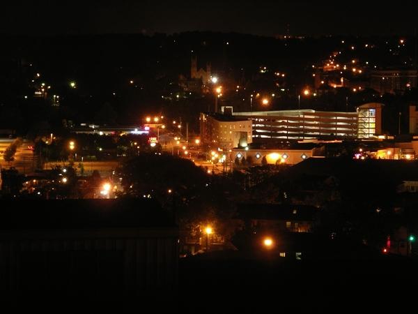 近一點的夜景