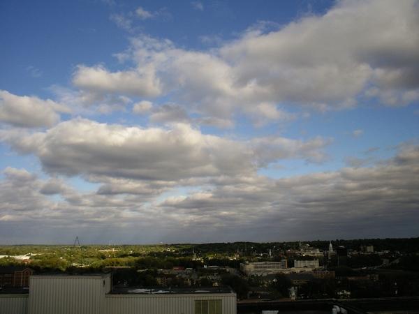 多雲時的天空