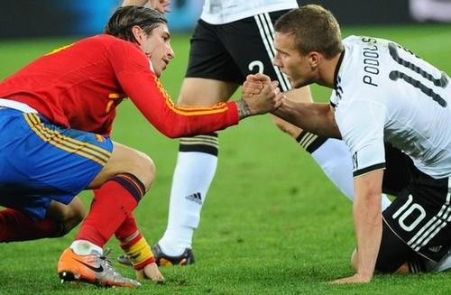 Sergio Ramos,Lukas Podolski.jpg