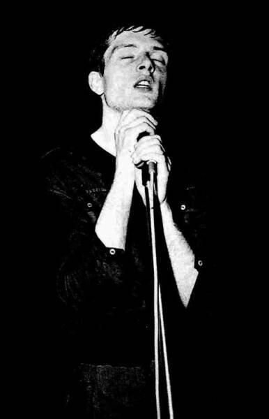 Ian Curtis10.jpg