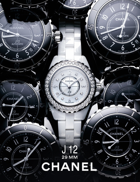 To celebrate the 10th anniversary of the J12 watch, CHANEL launches its new mini 29mm version..