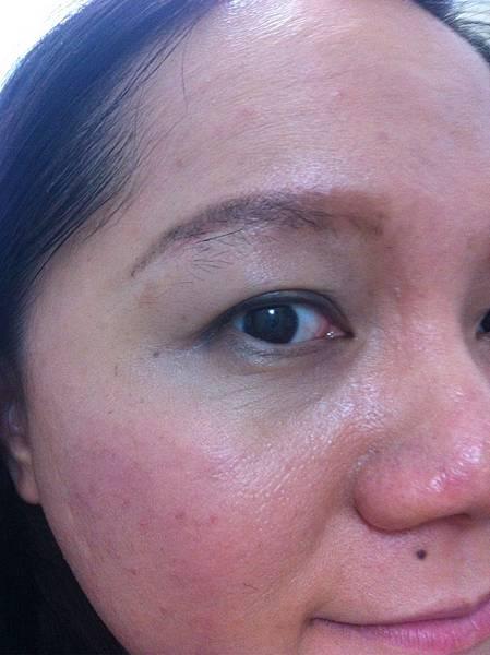 Hera Age Away + VDVC Anti-Aging Wrinkleless concealer
