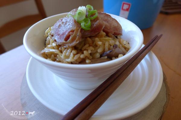 20121021-高麗菜香腸炊飯-02