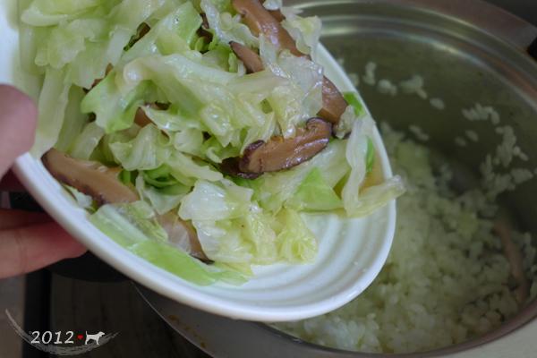 20121021-高麗菜香腸炊飯-09