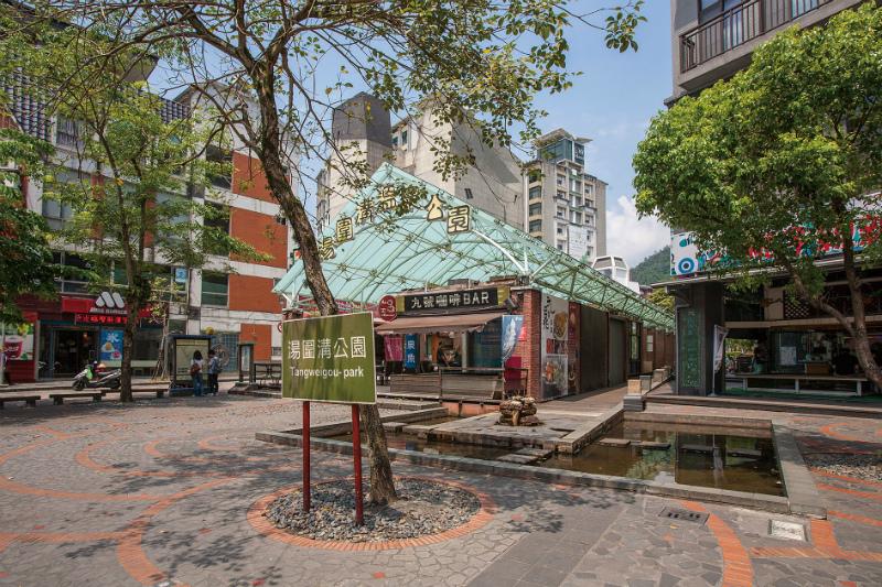 湯圍溝公園商圈-2.jpg