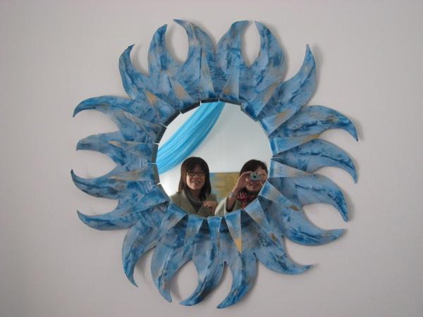 房間內的擺飾鏡