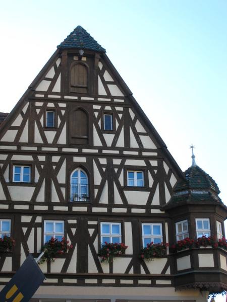 我超愛的木條結構房屋~