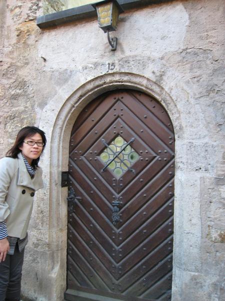 阿佳與怪門??