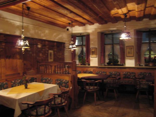 簡單的旅館餐廳