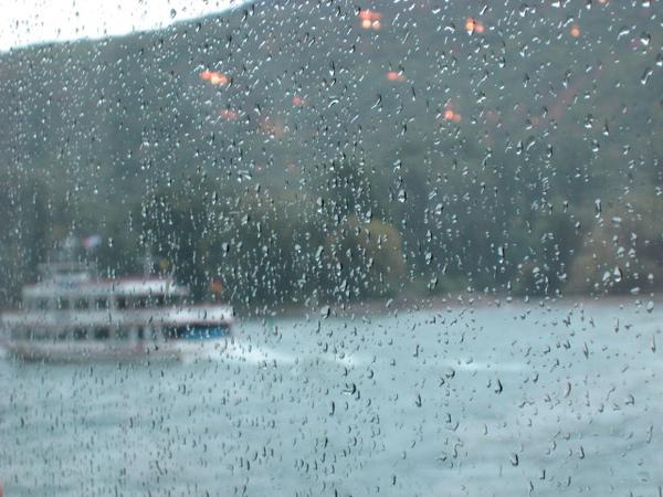 細雨飄來,更顯詩意!!