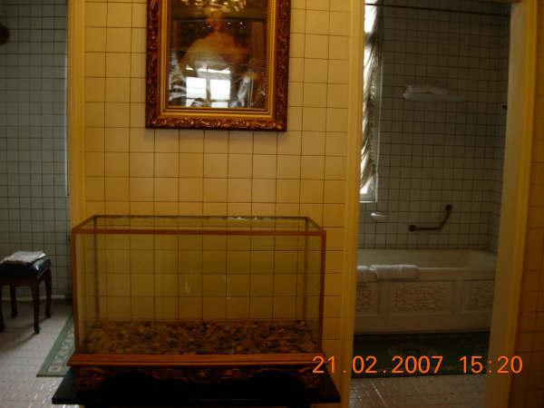 偽皇宮一角--廁所