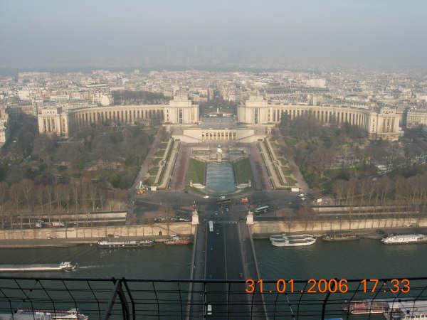 從巴黎鐵塔上往下照