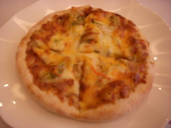 本人的主餐--韓式泡菜烤肉pizza