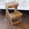 兩層單色取書椅