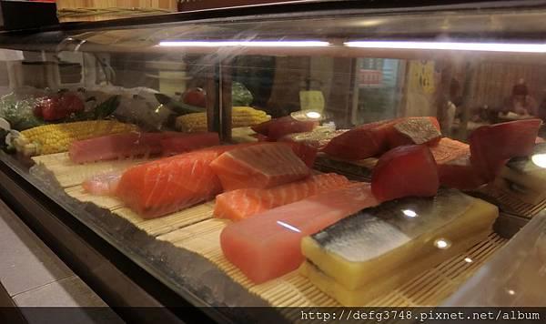 生魚片慨飯 336