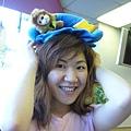 跟溫泉優惠券老闆加購的沙發面紙盒..哈~上面是隻獅子~跟京霖超像~!!