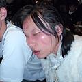 睡得這麼香甜..完全不知道我們在她臉上幹什麼好事