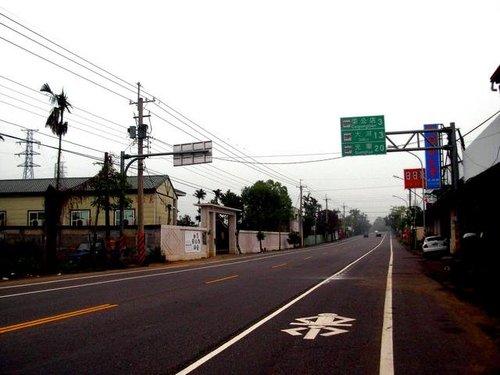 縣道到目前都還有雙車道+機慢車道的配置