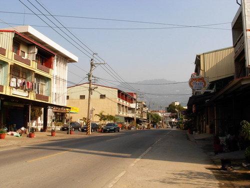 南化市街(於台20乙線向東拍攝)