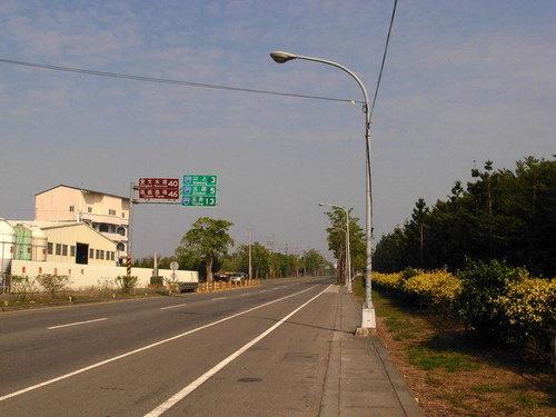 台20線與國道八號新化端路口附近