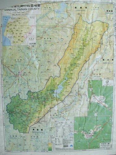 於南化國小穿堂拍攝之南化鄉地圖(我也想要有一幅!)
