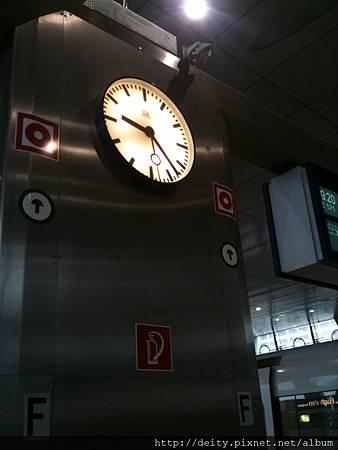 傳說中很準時的德國火車