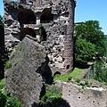 被法國人入侵後,只剩斷垣殘壁