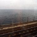 搭著火車過海啦~