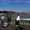 路邊吹風笛的阿伯,讓我在倫敦街頭也遇見了好久不見的蘇格蘭